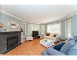 107 175 W 4th Street, North Vancouver, British Columbia
