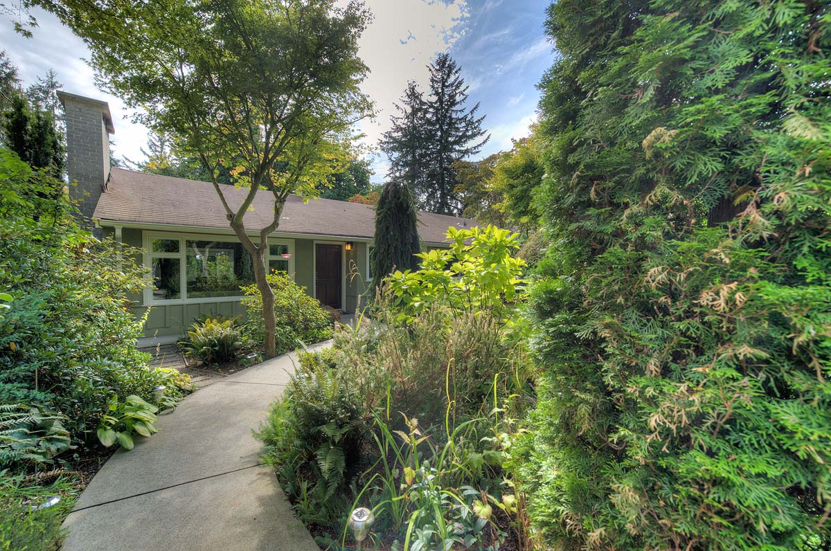 825 West 20th Street, North Vancouver, British Columbia