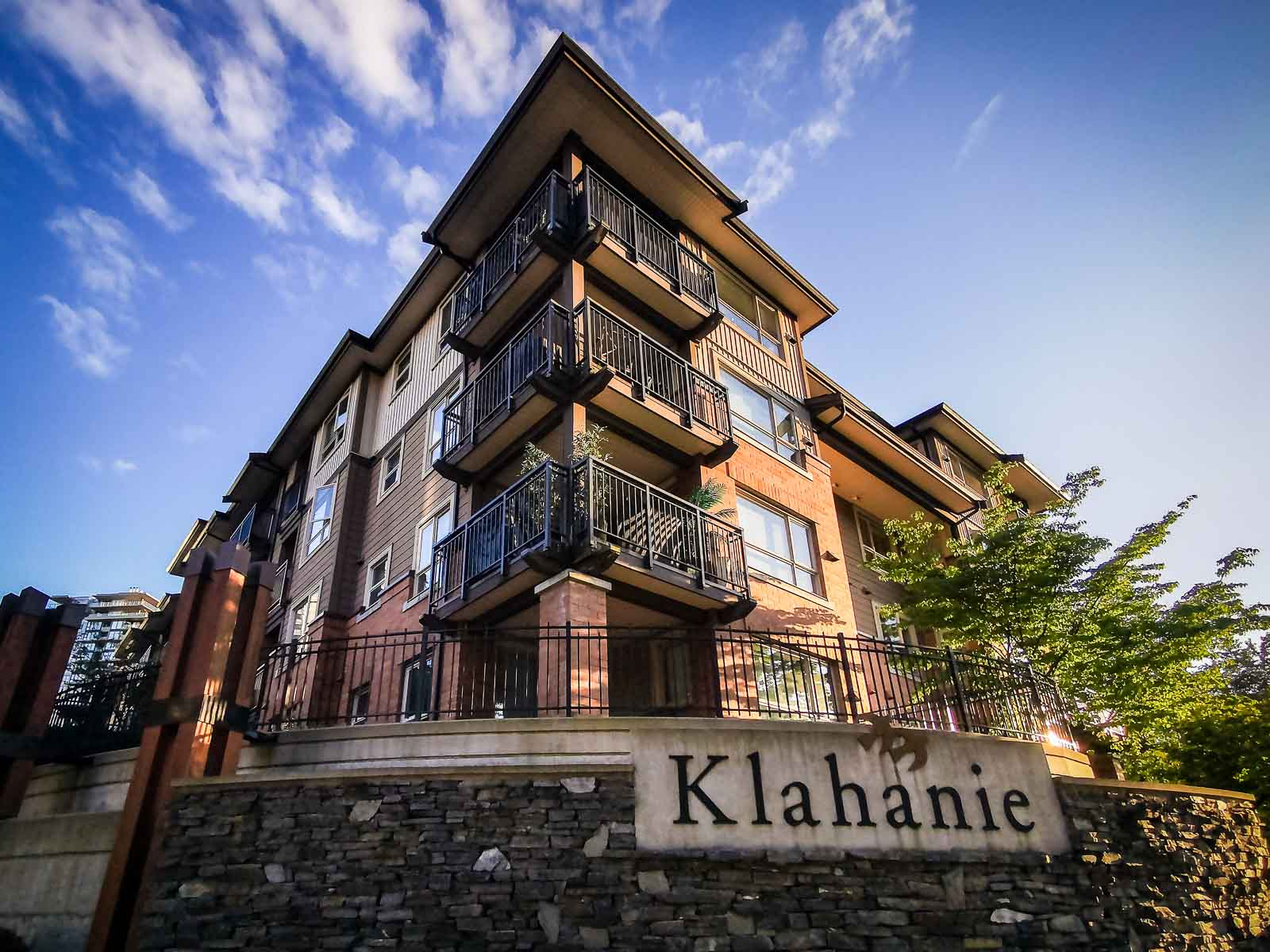 204-700 Klahanie Drive, Port Moody, British Columbia